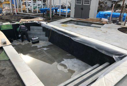 新展示場工事⑨ プールとデザインゲート。