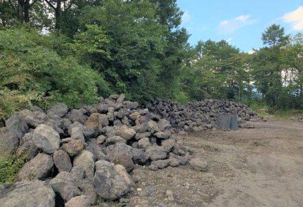 浅間石を仕入れに行きました。